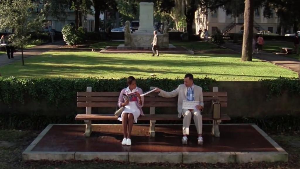 скамейка форест гамп съемки, лавочка форреста гампа, форрест гамп сидит на скамейке. форрест гамп мем, форрест гамп сидит на лавочке