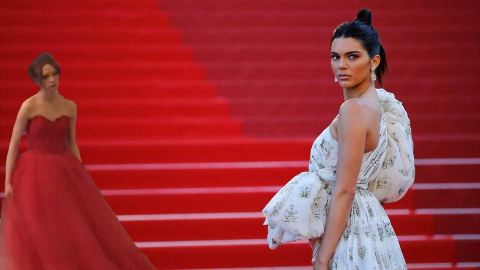 шурыгина в платье