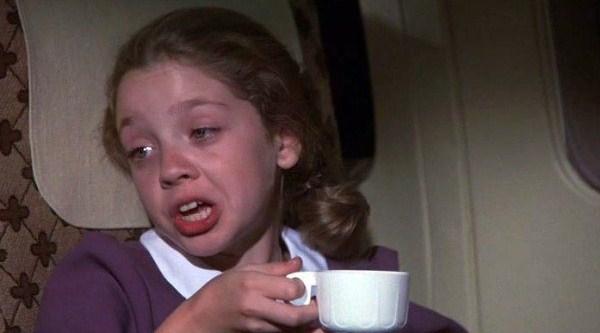 Мальчик и девочка с кофе, Мальчик и девочка с кофе мем, Мальчик и девочка в самолете, Мальчик и девочка в самолете мем, откуда мем девочка с чашкой, откуда мем девочка с кофе, откуда мем девочка в розовом платье с чашкой, откуда мем девочка в розовом платье с кофе, из какого фильма мем девочка с чашкой, из какого фильма мем девочка с кофе, из какого фильма мем девочка в розовом платье с чашкой, из какого фильма мем девочка в розовом платье с кофе, фильм аэроплан, мем аэроплан, аэроплан мем, фильм аэроплан мем, мем из фильма аэроплан, мальчик и девочка из фильма аэроплан, девочка из фильма аэроплан