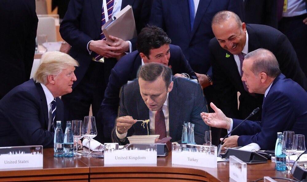 навальный ел доширак (2)