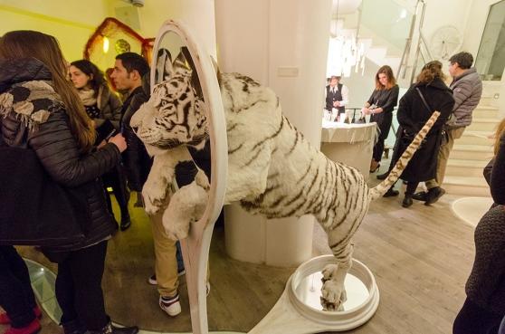 Альберто Микелон, Alberto Michelon, черепаха в очках, упоротая черепаха, странная черепаха, черепаха с обвисшей грудью скульптура, таксидермия, странная таксидермия