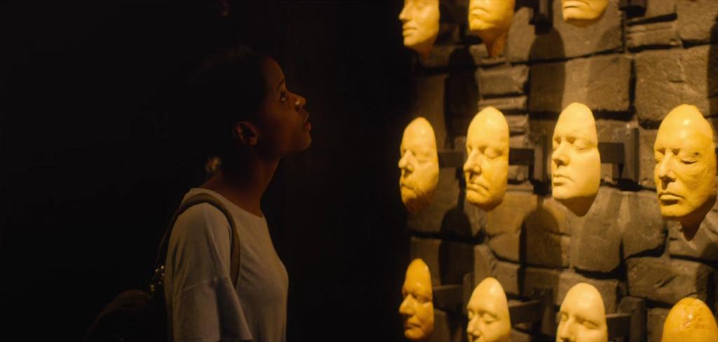 черное зеркало 6 серия 4 сезон музей (7)