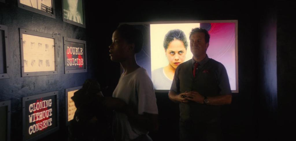 черное зеркало 6 серия 4 сезон музей (9)