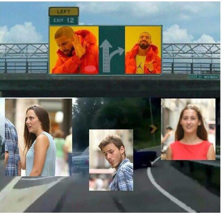 Машина сворачивает мем