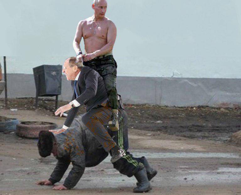 Лавров упал на сцене