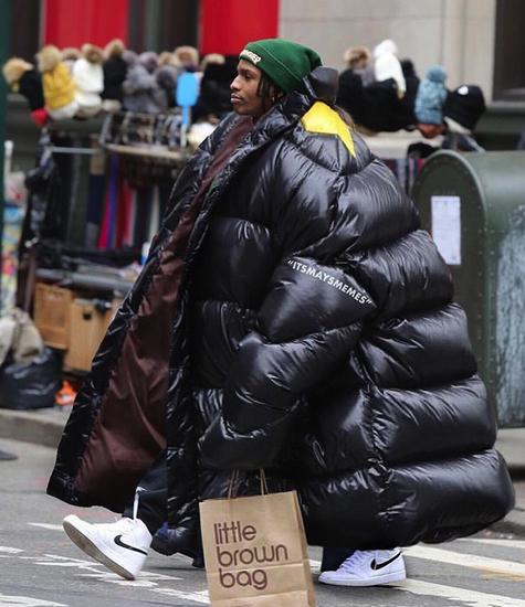 В инстаграме смеются над оверсайз-куртками