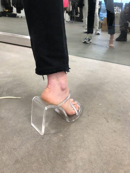 канье уэст обувь