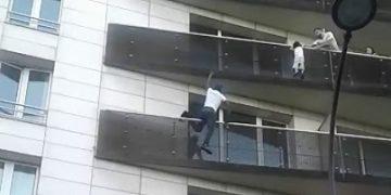 "Французский ""Спайдермен"" спас ребёнка"