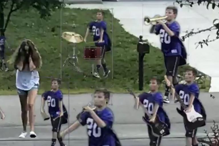 мальчик с трубой