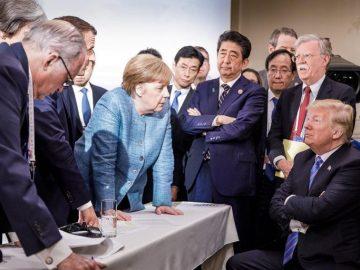 трамп напротив меркель мем