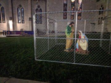 Церковь в США посадила Иисуса за решётку в знак протеста