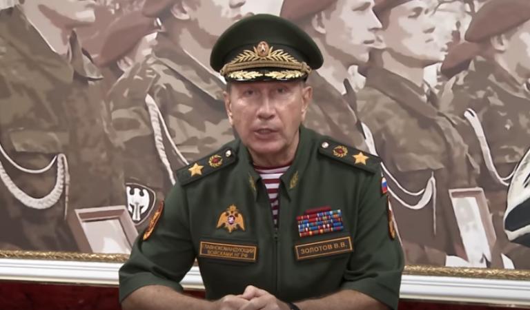 В рунете обсуждают возможную дуэль Золотова и Навального