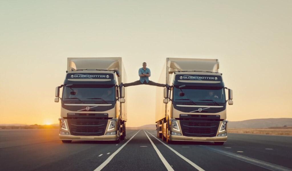 Шпагат вандама на грузовиках видео