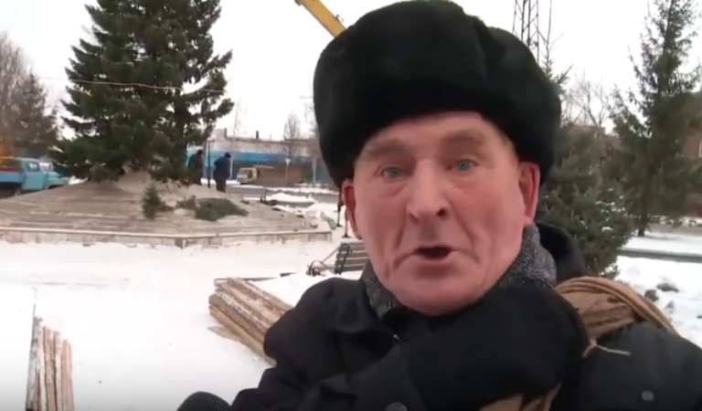 Пенсионер из Бийска рассказал о видео «Елочка мне нравится»