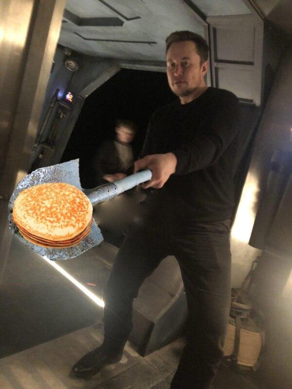 Илон Маск с огнеметом