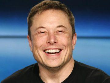 Илон Маск ответил по-русски