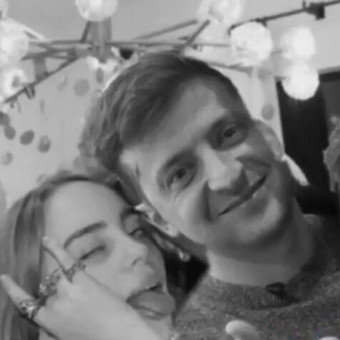 Билли Айлиш шипперят с Владимиром Зеленским