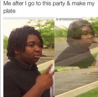 Мем с темнокожим парнем который постепенно исчезает