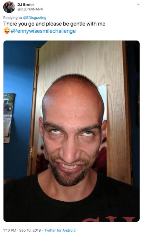 повторить улыбку пеннивайза