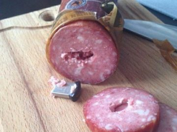 Флешка в колбасе