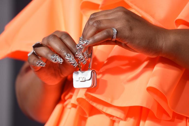 маленькая сумочка лиззо