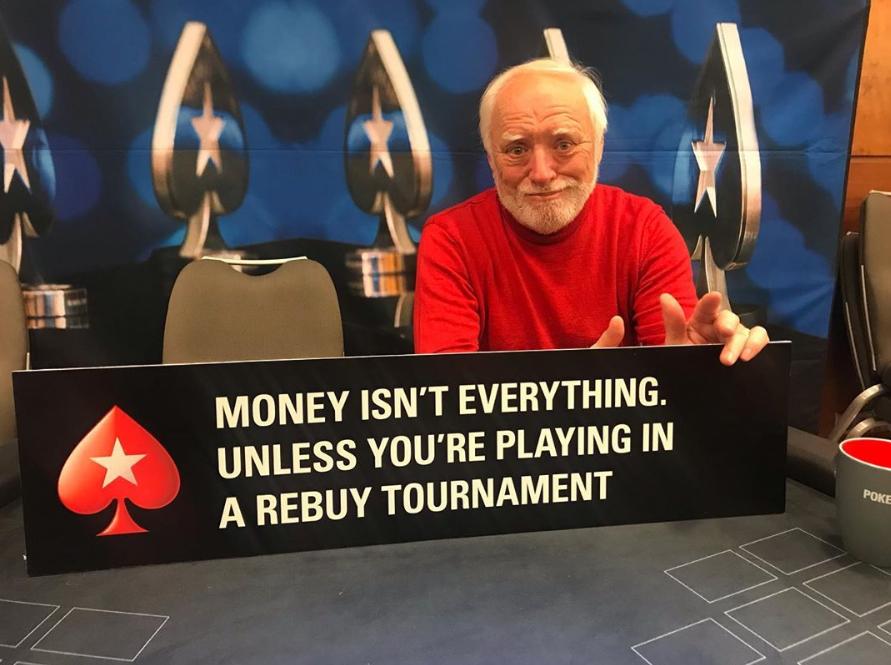 Гарольдприехал на покерный турнир