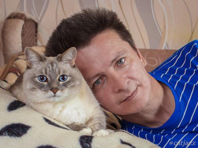 Кот Джаз с хозяином