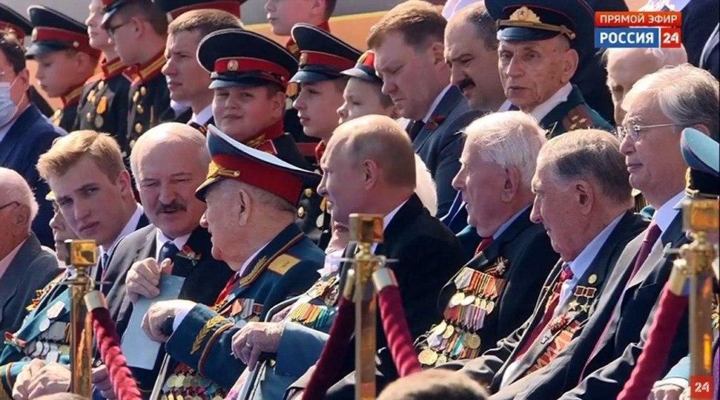 Коля Лукашенко на параде