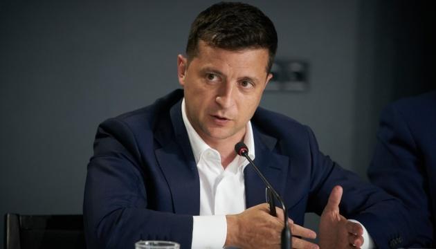 Зеленский прорекламировал фильм по требованию террориста из Луцка. И разделил сеть на два лагеря