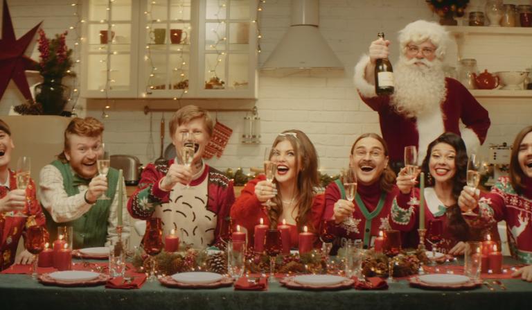 Suck My Dick 2020: Little Big выпустили рождественский клип