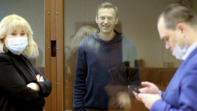 Навальный выбрал топ мемов из писем в камеру